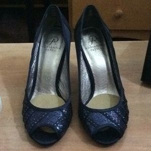 Gorgeous navy Adrianna papell heels 8.5